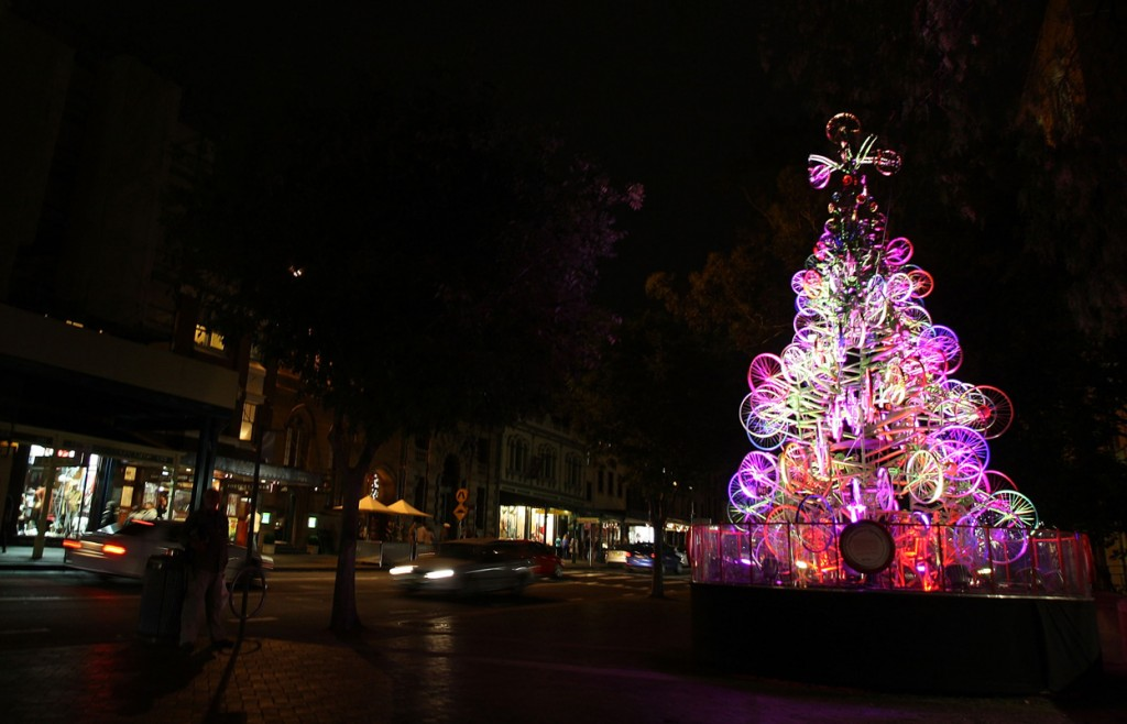 árvore de natal iluminada em sidney