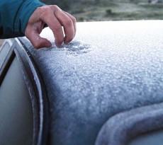 Frio causa geada nos carros