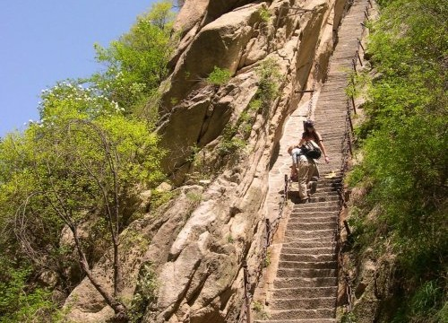 escadas do trilho mais perigoso do mundo em hua shan