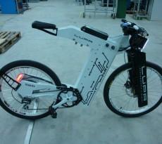 bicicleta elétrica inovadora atinge 80 km/h