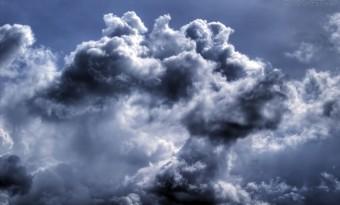 nuvens e tempestades