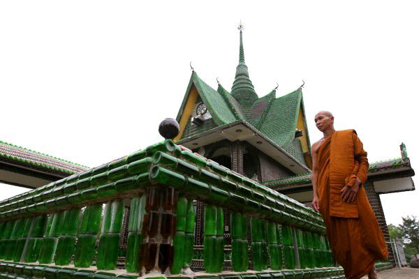 cerveja garrafas de vidro templo monge reutilizar