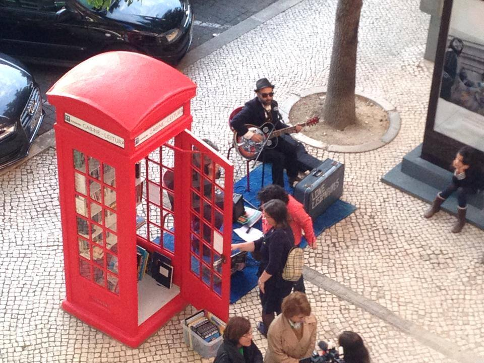 cabine telefónica biblioteca