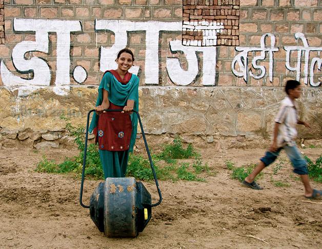 water wheel india água potável