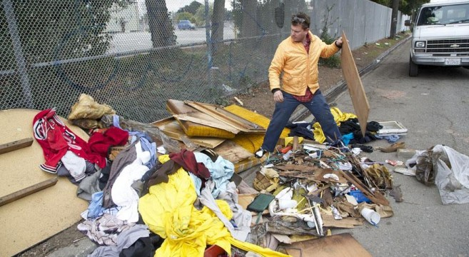 casa-sem-abrigo-móvel-reciclar-Kloehn-8