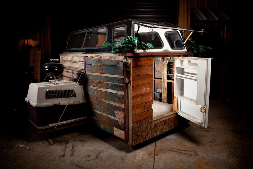 casa-sem-abrigo-móvel-reciclar-Kloehn-4
