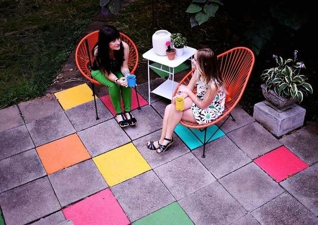 pátio blocos cimento pintar