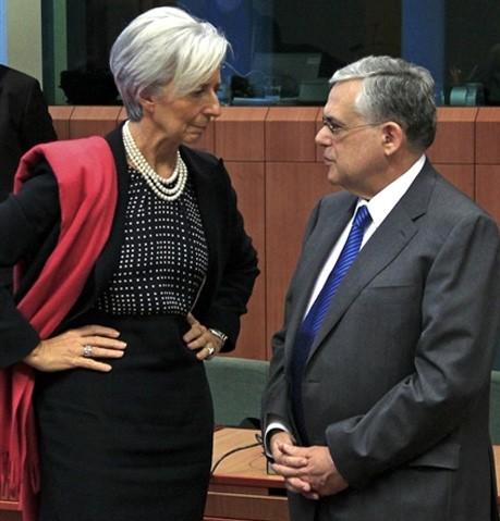 Christine Lagarde Greek power gesture linguagem corporal