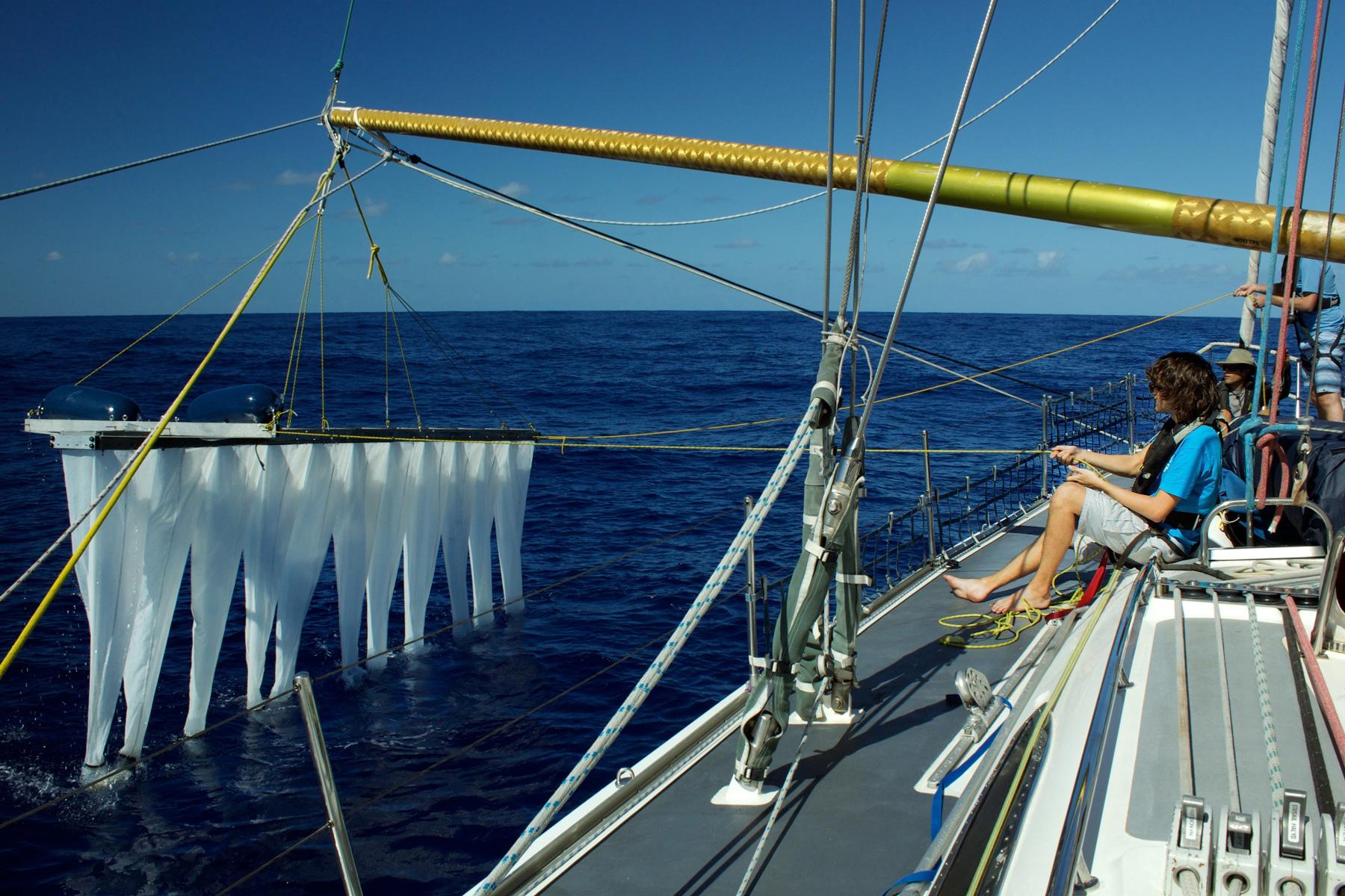 the ocean cleanup mares oceanos limpeza plástico