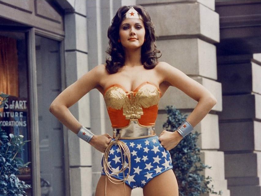 Wonder-Woman-lynda-carter-confiança linguagem corporal poder