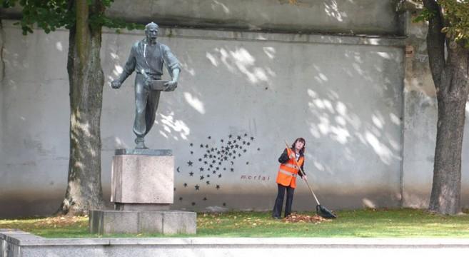 creative-interactive-street-art-agricultor sementes