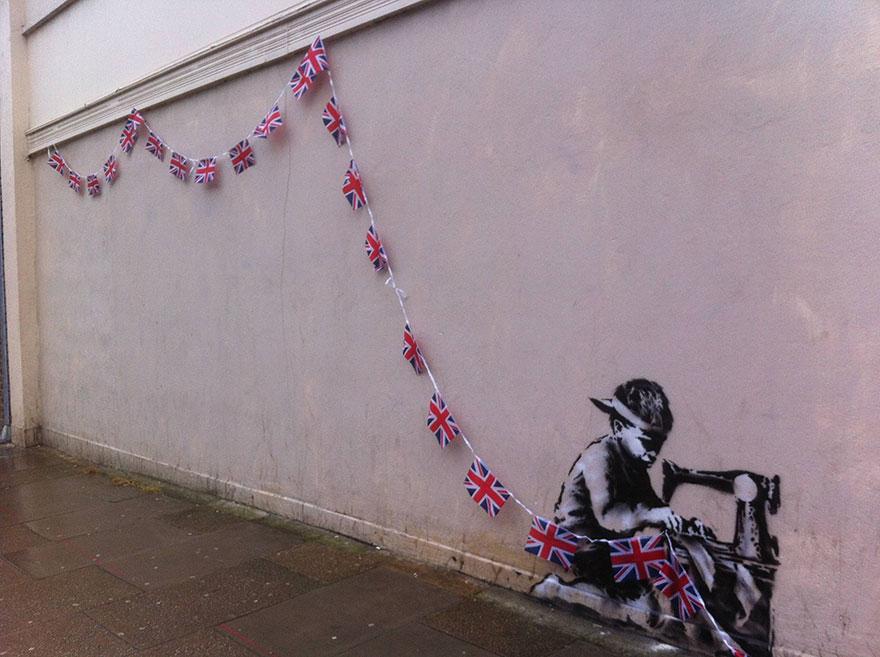 creative-interactive-street-art-bansky