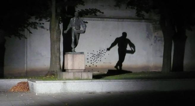 creative-interactive-street-art-lituânia estátua