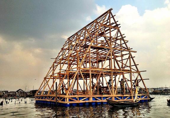 escola madeira flutuante nigéria