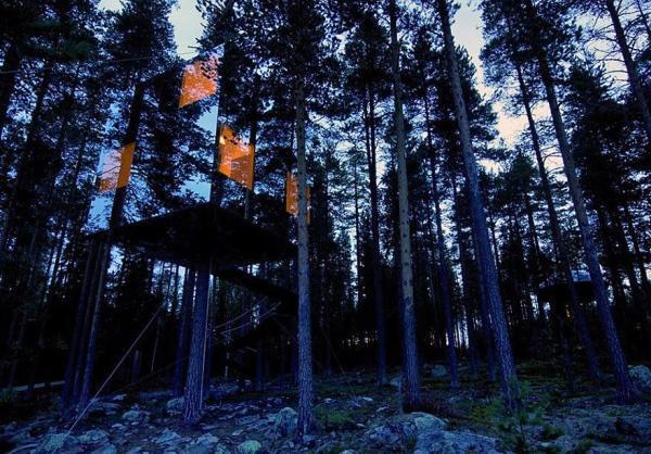 suecia-casa-invisível-espelhos-floresta