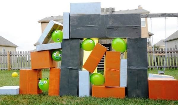 Giant-Angry-Birds-Game jardim