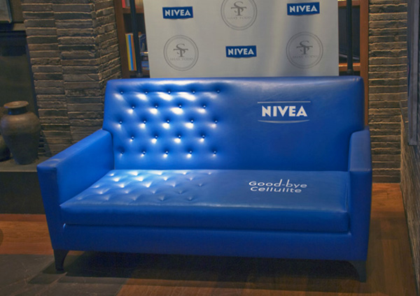 marketing de guerrilha nivea sofá celulite