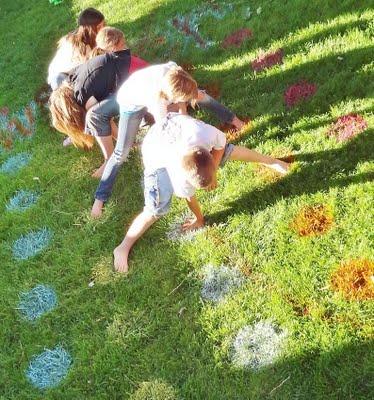 como fazer twister no relvado jardim. Jogos ao ar livre