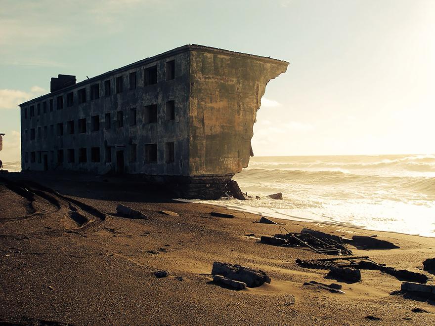 cidade de pescadores praia abandonada