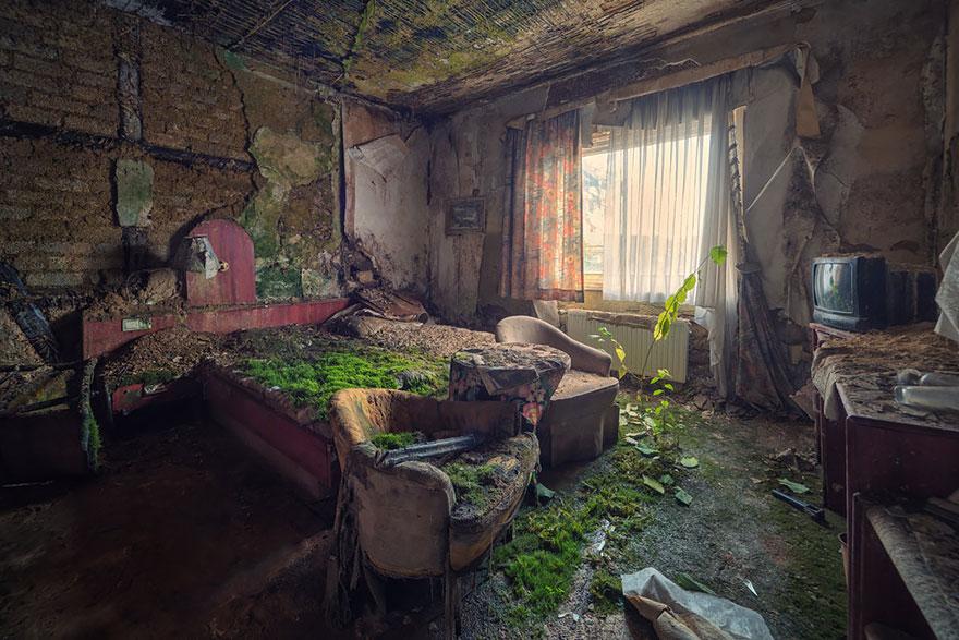 quarto de hotel abandonado
