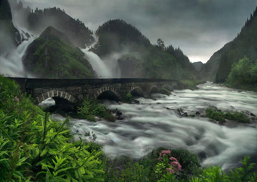 cascata Latefossen Noruega