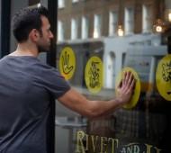 loja de roupa tem montra interativa