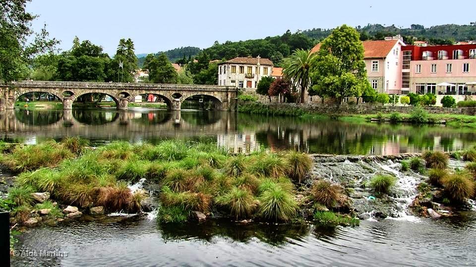 Ponte sobre o Rio Vez em Arcos de Vale de Vez