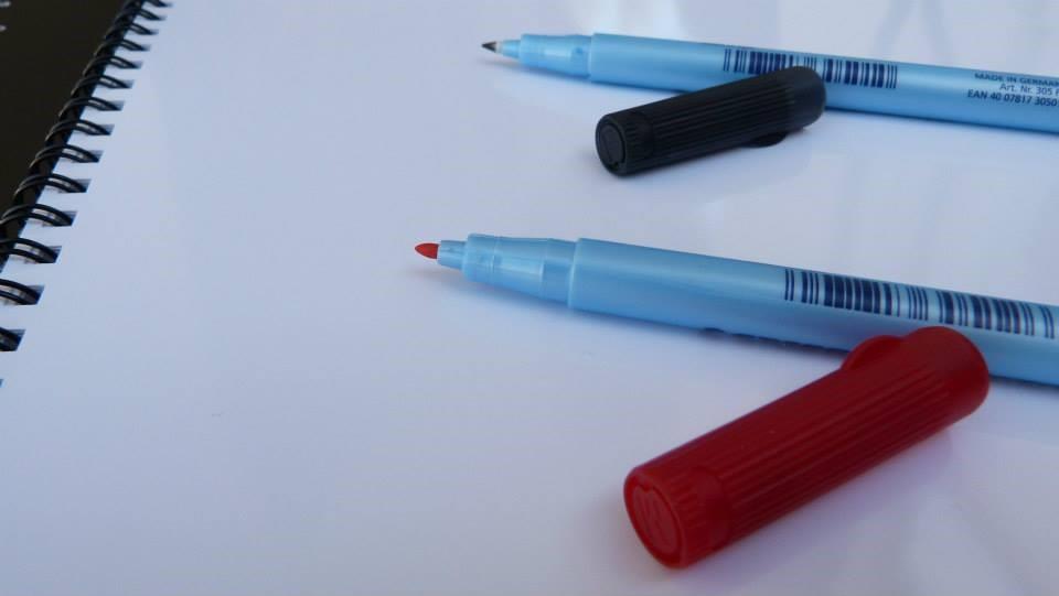 caderno reutilizável ecobook canetas