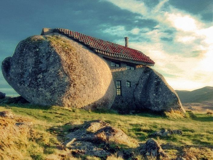casa do penedo casas mais estranhas do mundo