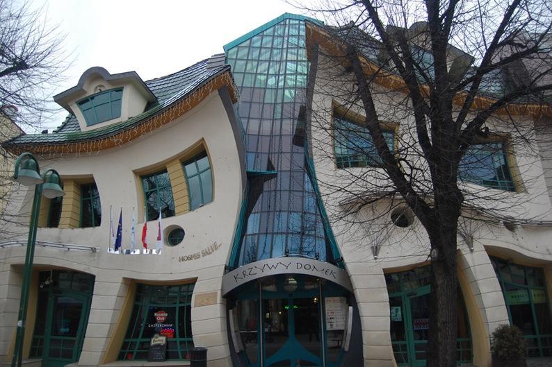 casa torta (Sopot, Polónia) casas mais estranhas do mundo