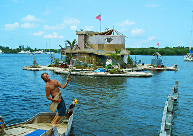 ilha construida com materiais reciclados
