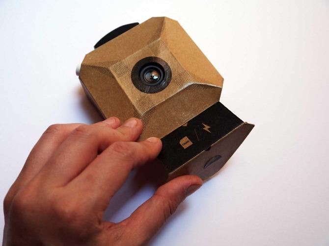 câmara fotográfica de papel