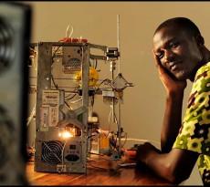 Kodjo trabalha no grupo WoeLab, que acredita na possibilidade de viajar até o planeta Marte com aparelhos feitos a partir de lixo eletrónico. Para que essa viagem se possa realizar, a criação da impressora era um do passos cruciais, principalmente pelo preço das peças ser muito baixo.