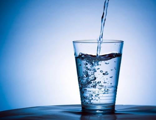 água copo