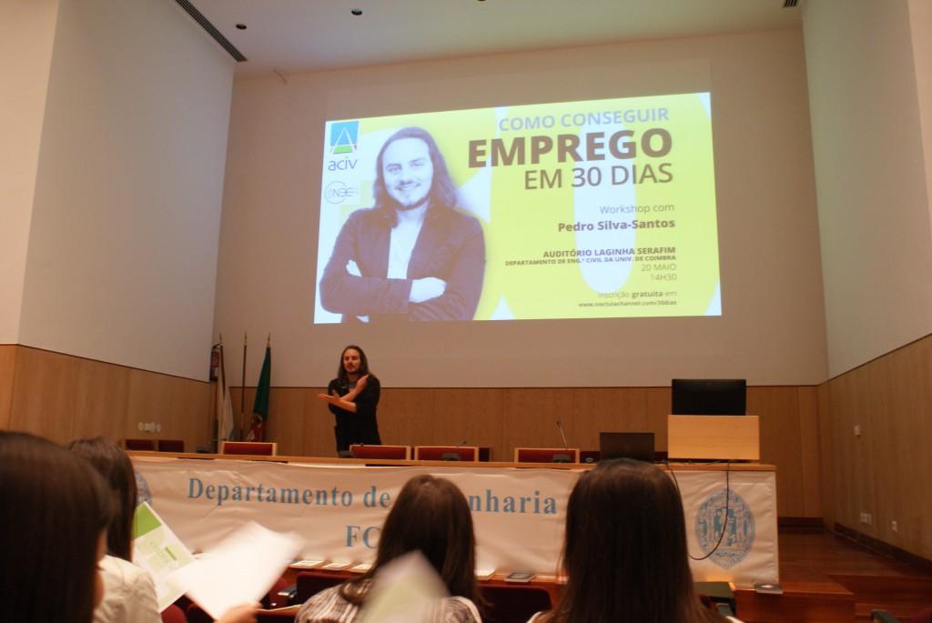 """pedro silva-santos da NOCTULA apresenta o workshop """"Como conseguir emprego em 30 dias"""""""