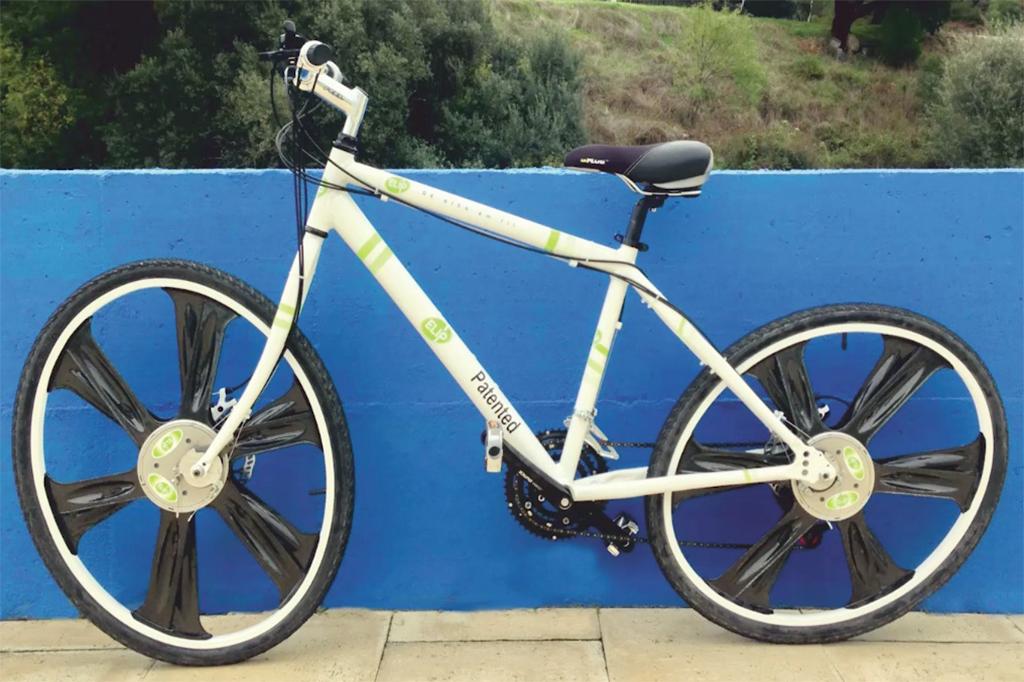 A ELIP é a primeira bicicleta cujas rodas não são redondas e é uma invenção portuguesa.