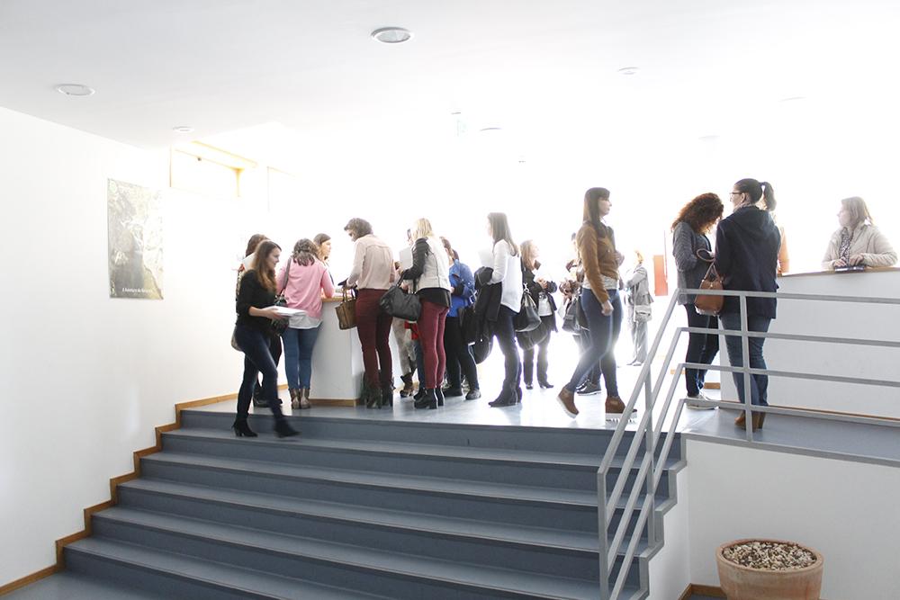 """Cerca de 100 pessoas estiveram presentes no workshop """"Como conseguir emprego em 30 dias"""", realizado dia 6 de maio, pelo portal NOCTULA Channel, em parceria com a CLDS+ Sol Nascente, a Associação Adripòio, o Município de Ribeira de Pena, e o Instituto de Emprego e Formação Profissional (IEFP)."""