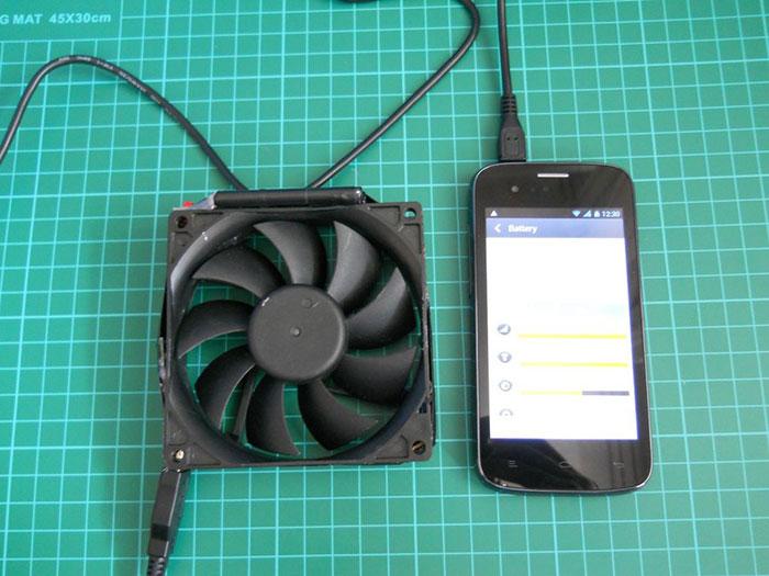 carregador de telemóvel energia eólica