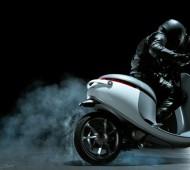 A Gogoro Smartscooter é uma mota elétrica que vai mudar a forma como andamos nas cidades, pelo menos é o que pretendem os fundadores da Gogoro, Horace Luke e Matt Taylor.