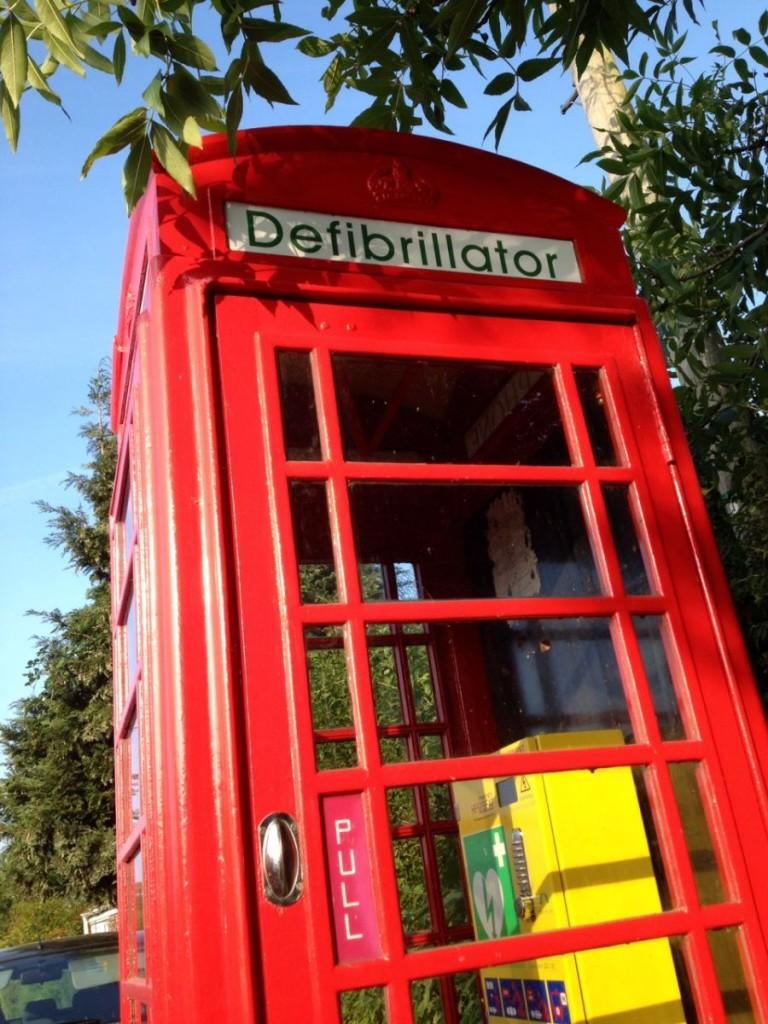 cabine telefónica desfibrilador desfibrilhador