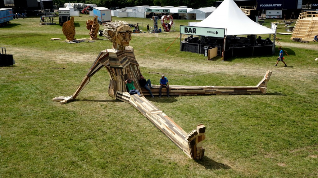 ben chiller escultura madeira thomas dambo
