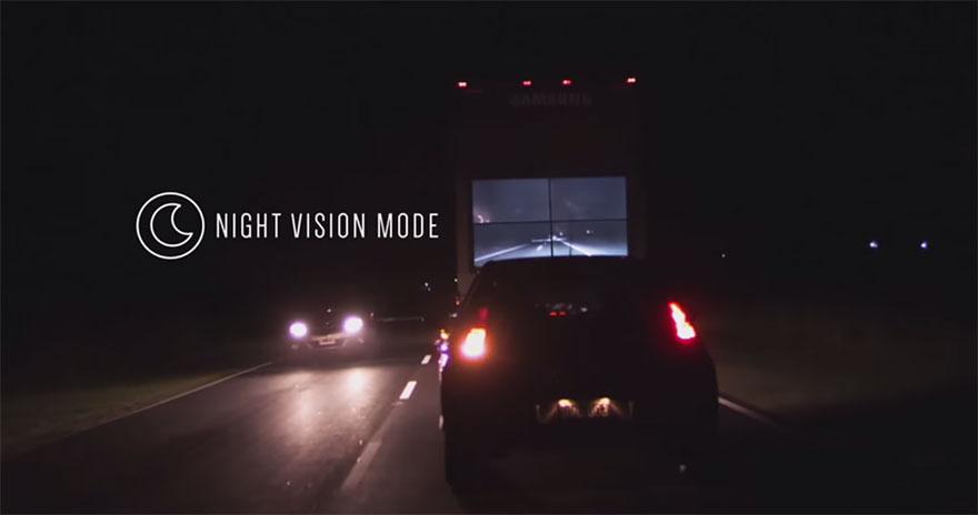 camião com ecrã samsung