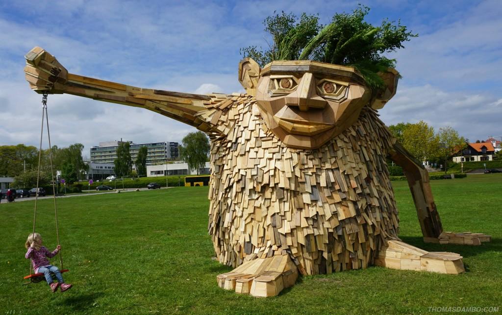 escultura de mandeira jardim baloiço