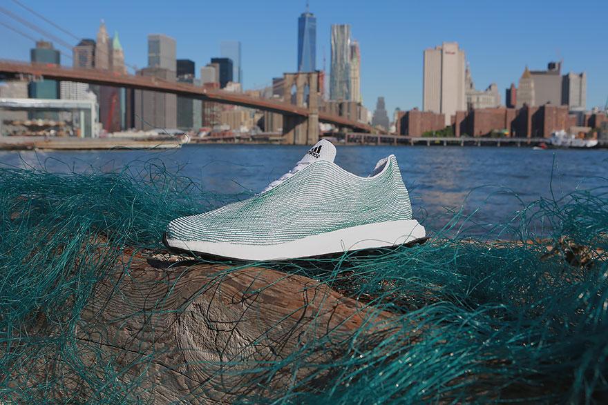 sapatilhas adidas lixo oceanos