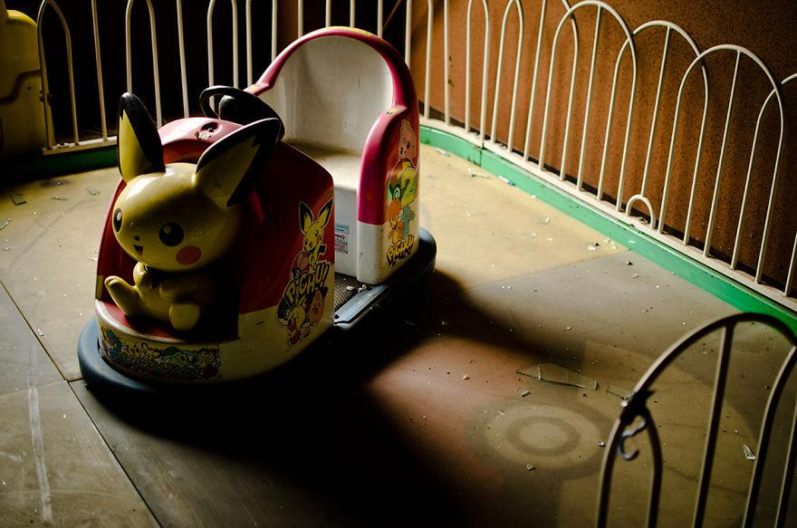 parque de diversões abandonado carrinhos de choque
