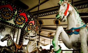 parque de diversões abandonado carrocel