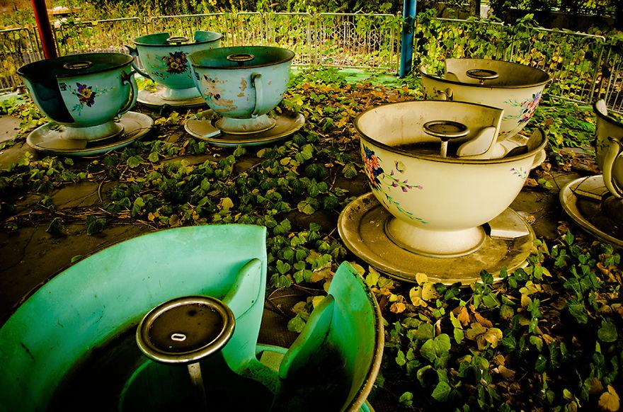 parque de diversões abandonado chávenas