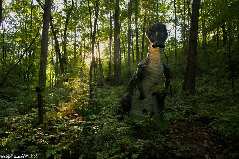 Seph Lawless dinossauro