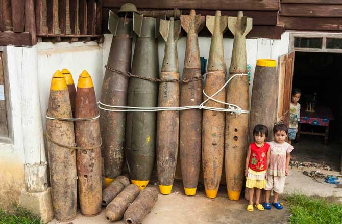 Laos transformar bombas crianças