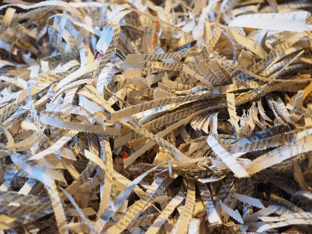 papel tiras reciclagem
